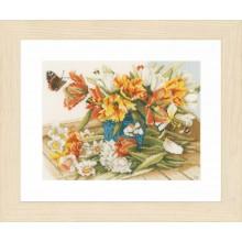 PN-0154324 Нарциссы-тюльпаны. LanArte. Наборы для вышивания крестиком.