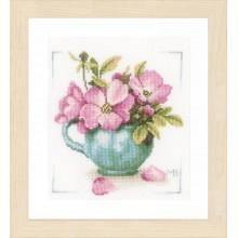 PN-0164070 Дикие розы. LanArte. Наборы для вышивания крестиком.